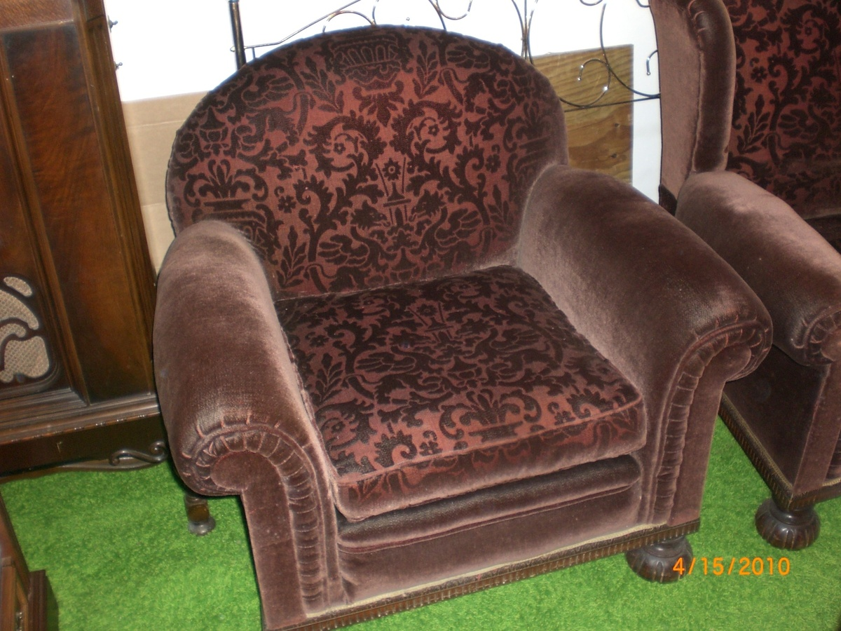 Parents 1920`s sleeper sofa & two chair set | Collectors ...  1920s