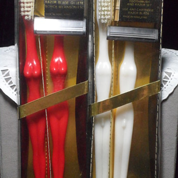Sexy Pair Novelty Toothbrush and Razor ~ Vintage 70's