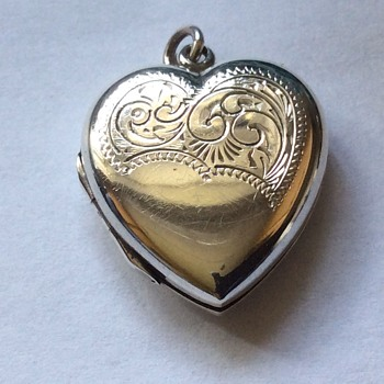 Antique silver locket  - Fine Jewelry