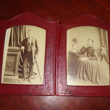 VINTAGE PHOTO - Photographs