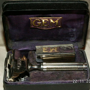 1912 GEM Single Edge Safety Razor - Accessories