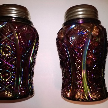 Exceedingly Rare Amethyst Carnival Octagon Shakers