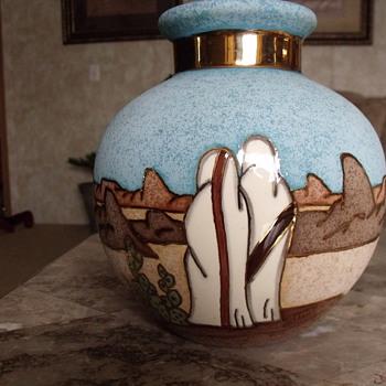 pottery vase  - Art Pottery