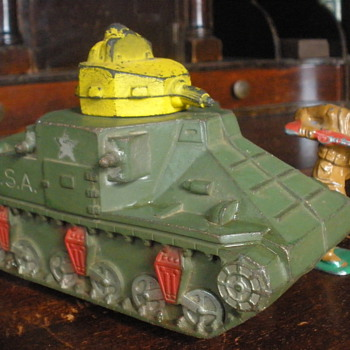 Sun Rubber M2 Medium Tank. 1940s - Model Cars