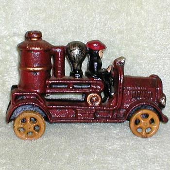 Cast Iron 1920's Fire Engine (Replica)