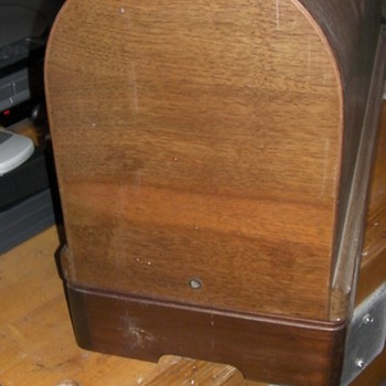 Singer Coffin Case - How to Open?