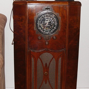Zenith 12-A-57 Console Radio