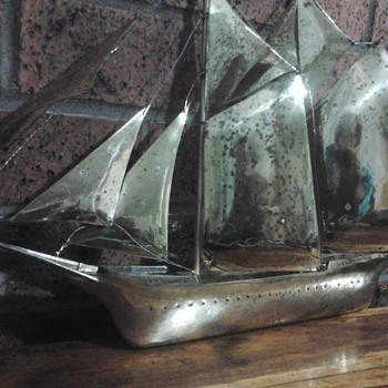 Help identify my brass model schooner Please! - Toys