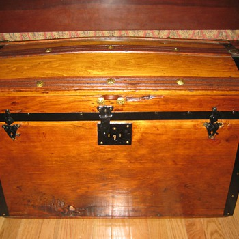 Barrel Stave Trunk - Furniture
