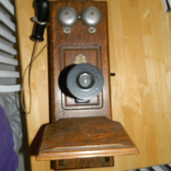 Does anyone know anything about this phone? - Telephones