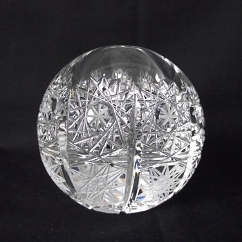 CUT CRYSTAL PAPERWEIGHT - Art Glass