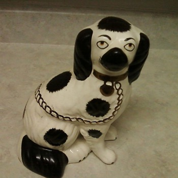STAFFORDSHIRE DOG - Animals