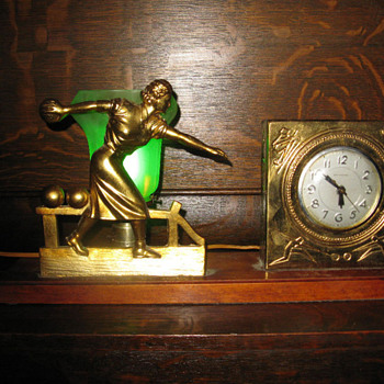 Art Deco Lady Bowler Clock/Lamp 