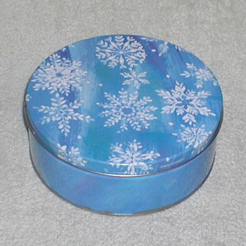 Christmas Cookie Tin - Snowflakes - Christmas