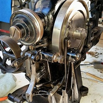 1949 Singer 69-11 Bar Tacker Industrial Sewing Machine - Sewing