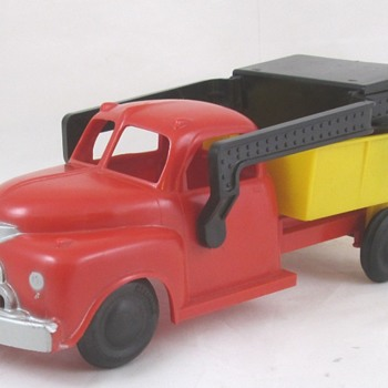 Reliable Plastic Dump Truck - Model Cars