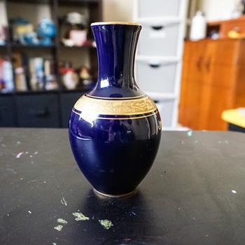 Lindner Kueps Bavaria Echt Cobalt Vase