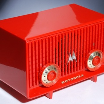 1957 MOTOROLA A8R-23 polystyrene radio. (Yes, it still works!)