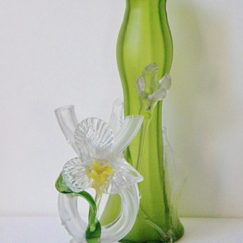 Art Nouveau Kralik Iridescent/Satin Floriform Thorn Tube Vase  - Art Glass