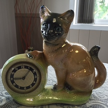 Jema Holland Large Single Kitten/ Cat Mantle Clock numbered (434) - Clocks