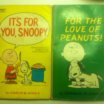 1960s &quot;Peanuts&quot; Comic Books