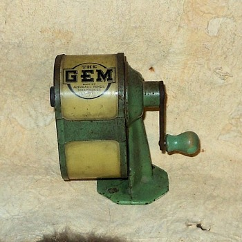 The GEM Pencil Sharpener Automatic Pencil Sharpener Co 1920s - Office