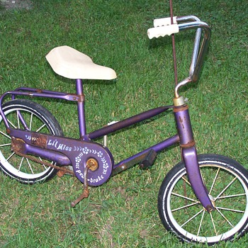 childs pedal-brake bike.  - Sporting Goods