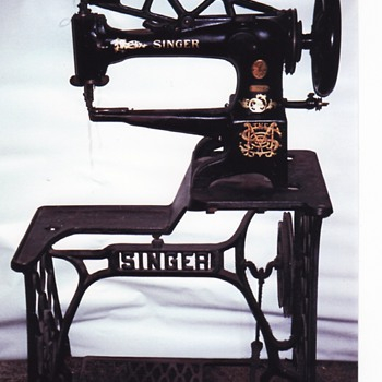 Antique Singer Sewing Machine - Sewing
