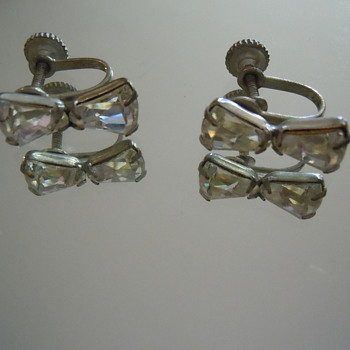 Vintage Screw Back Earrings, Unmarked 1940's-1950's Crystal or Glass