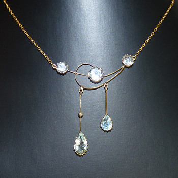"An Art Nouveau Aquamarine and 9ct Gold ""Negligee"" Necklace - Art Nouveau"