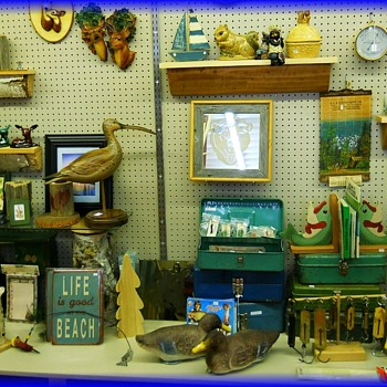 Antiquing while on Holidays....LOL ( 1 of 4 set of Pictures )