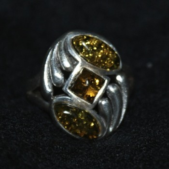 Sterling Silver Vintage Ring - Fine Jewelry
