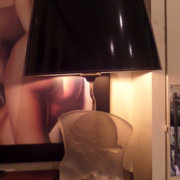 Art Deco table lamp. Say no more.