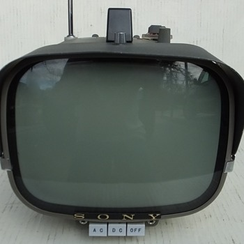 1961/62 Sony Model 8-301W Portable Transistor Television Receiver - Electronics