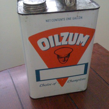 1 gallon oilzum can  - Petroliana