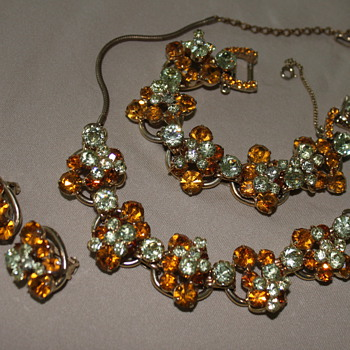"DeLizza & Elster, ""JULIANA"" Parure - Costume Jewelry"
