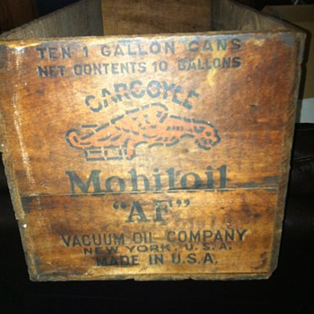 1920's Gargoyle Mobiloil  AF  motor oil can crate - Petroliana