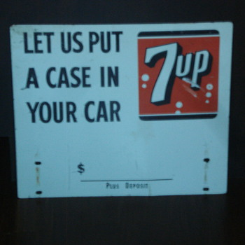 VINTAGE 7-UP ADVERTISING SIGNS/CLOCK/SODA COOLER - Advertising