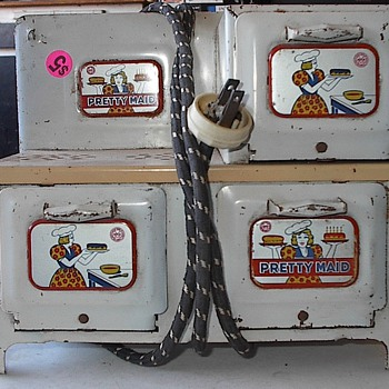 Louis Marx and Co. Toy Tin Oven-Stove - Toys