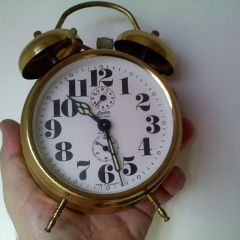 LOUD alarm clock,..takes a lot to wake some people!