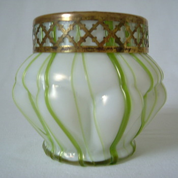 Art Nouveau Kralik Mother of Pearl Rose Bowl