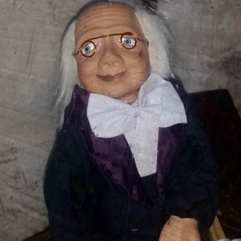 Who made this puppet? - Dolls