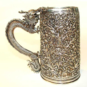 Chinese Export silver mug with dragon handle