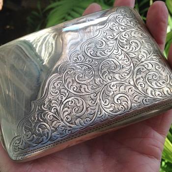 Robert Pringle & Sons Solid Silver Cigarette Case