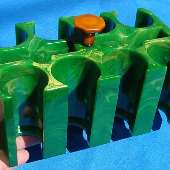 Marbled Yellow Green Catalin Bakelite Poker Chip Card Rack Tray