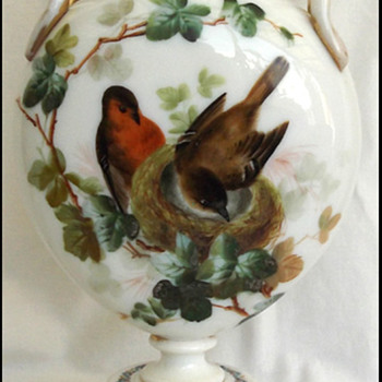 VICTORIAN GLASS PEDESTAL VASE  HARRACH?? - Art Glass