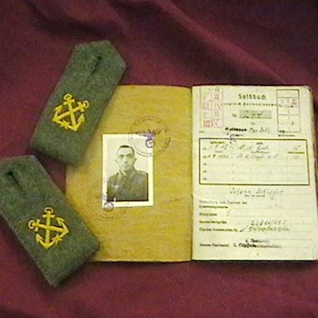 WW II German Kriegsmarine (Navy) Paybook, & Faces of War