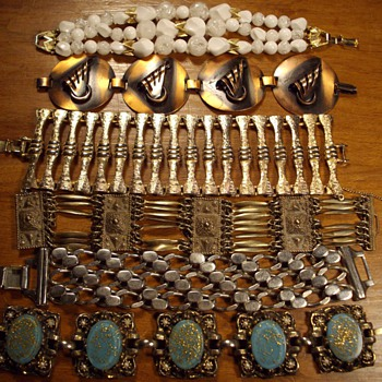 Link Bracelets. - Costume Jewelry