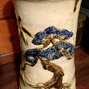 Japanese vase from Okinawa