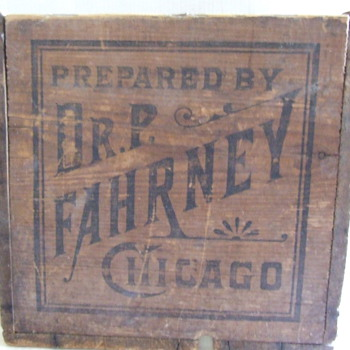 Old patent medicine wood crate, Dr. P. Fahrney, Furni's Alpen Krauter - Advertising